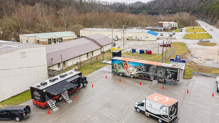 BGEA and Samaritan's Purse trucks in Kentucky