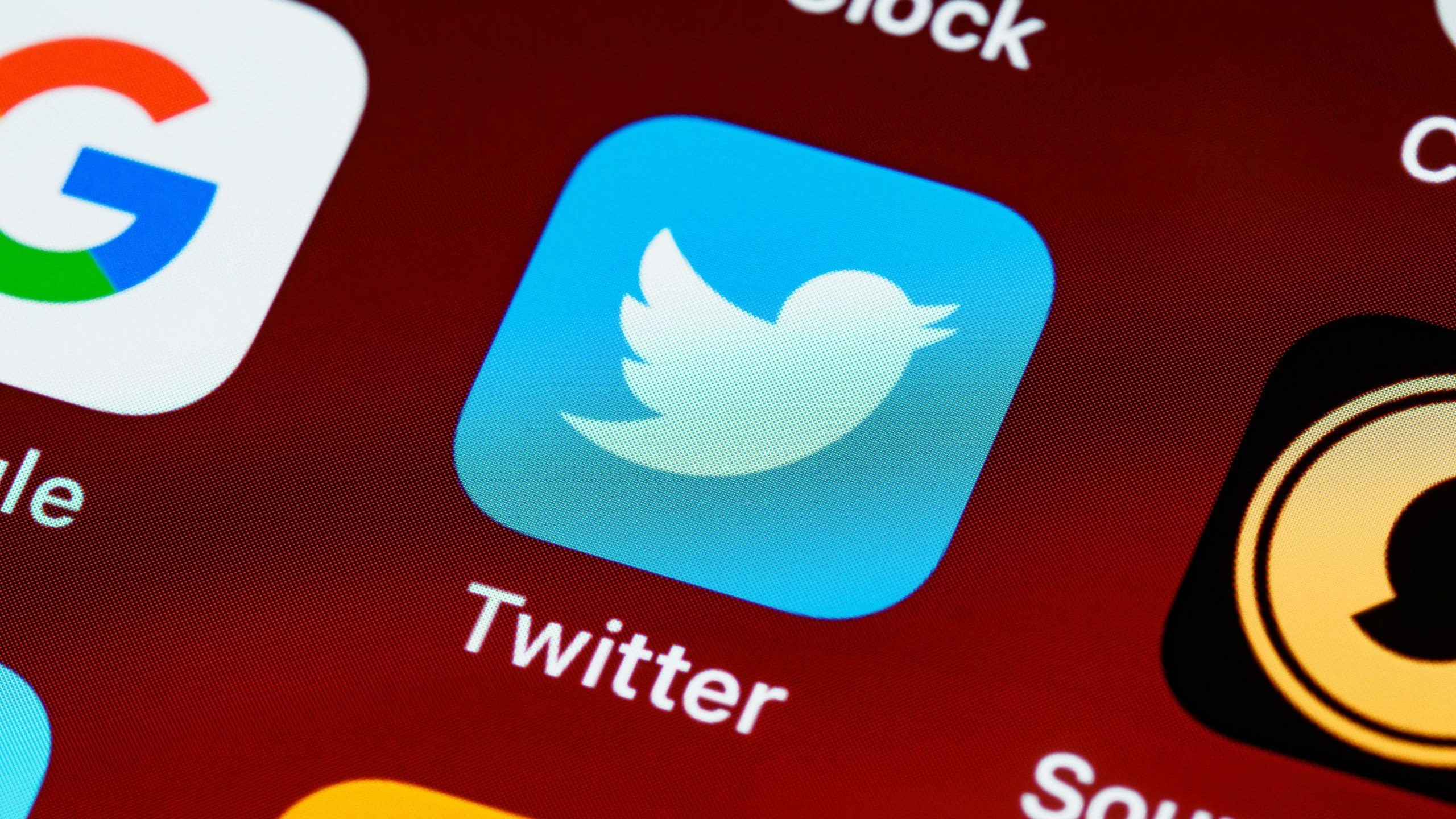 Twitter Rolls Out Absurd New Feature to Report Tweets that 'Seem Misleading'